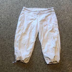 Lululemon white dance Capri pants sz 10